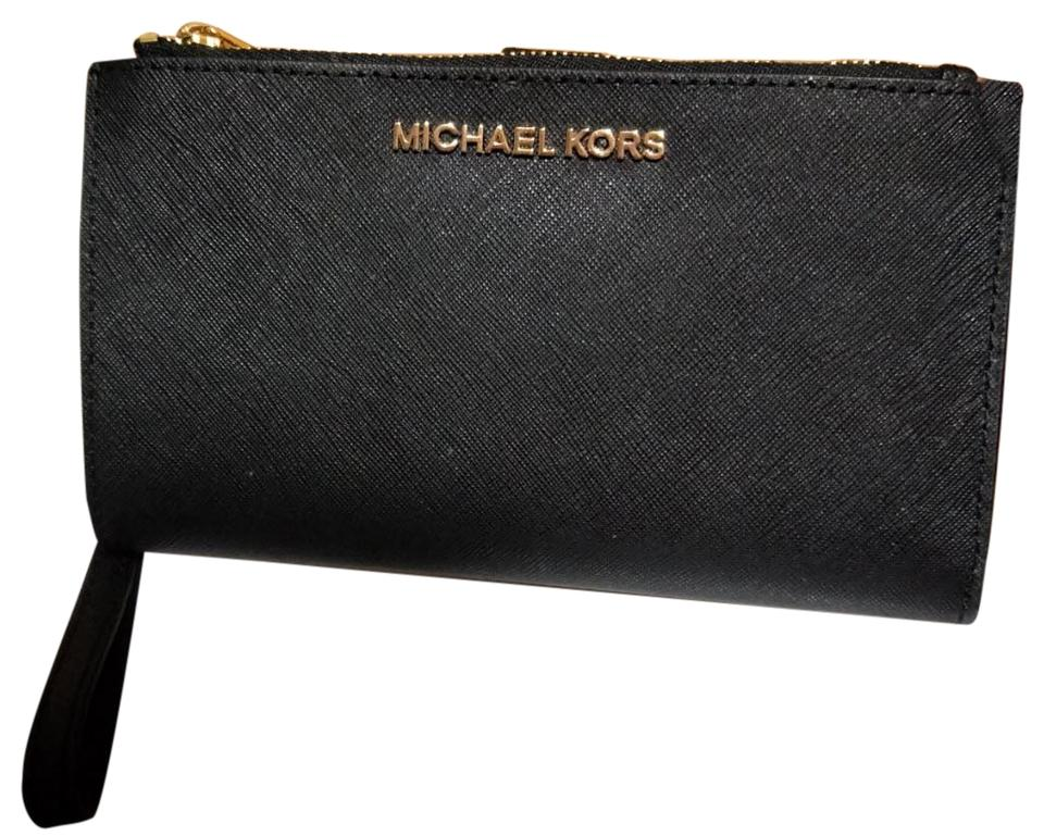 df2bd204d6d6 Michael Kors Michael Kors Jet set travel double zip leather phone Wristlet  Wallet Image 0 ...