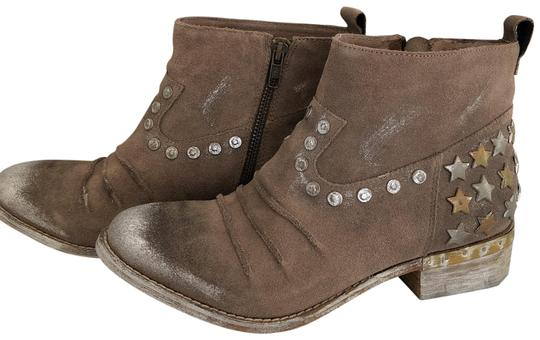 Preload https://img-static.tradesy.com/item/24134118/mia-brown-leather-new-with-box-bootsbooties-size-us-75-regular-m-b-0-2-540-540.jpg