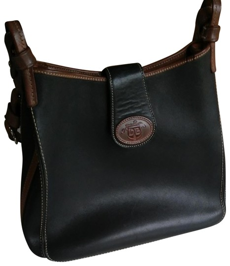 Preload https://img-static.tradesy.com/item/24134226/dooney-and-bourke-navy-and-brown-leather-shoulder-bag-0-1-540-540.jpg