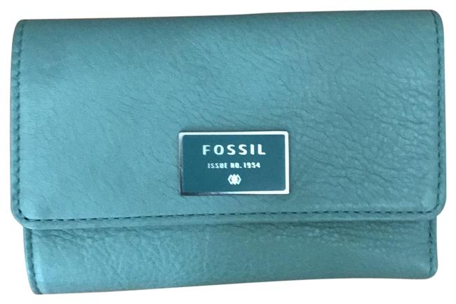 Fossil Green Tri-fold Leather Wallet Fossil Green Tri-fold Leather Wallet Image 1