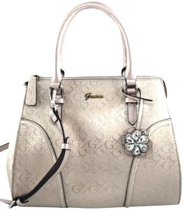 Guess Satchel in rose gold