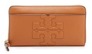 Tory Burch NEW TORY BURCH LEATHER LOGO CONTINENTAL ZIP AROUND BAG WALLET NWT