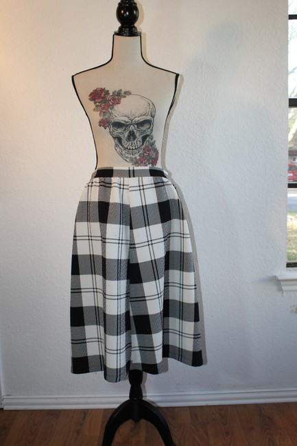 Tyche Stretchy Skirt Black and White Checkered
