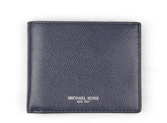 Preload https://img-static.tradesy.com/item/24136057/michael-kors-blue-men-s-warren-jet-set-leather-billfold-gift-box-wallet-0-0-540-540.jpg