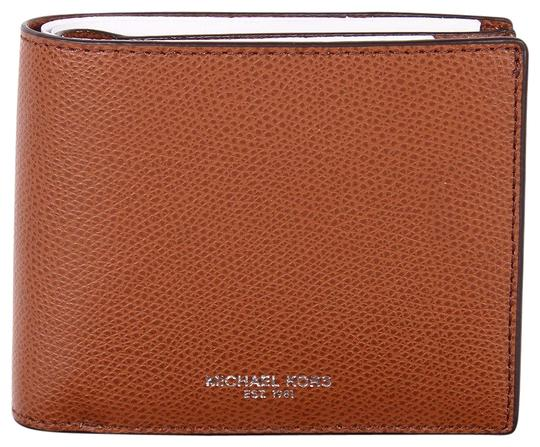 Preload https://img-static.tradesy.com/item/24136175/michael-kors-brown-men-s-warren-jet-set-passcase-billfold-gift-box-wallet-0-1-540-540.jpg