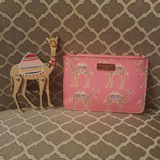 Preload https://img-static.tradesy.com/item/24136281/kate-spade-spice-things-up-camel-keychain-and-credit-card-with-keychain-wallet-0-0-540-540.jpg