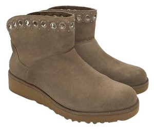 4ed750b1e966 UGG Australia Boots   Booties - Up to 90% off at Tradesy