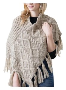 Fashion Apparel Cable Knit Poncho