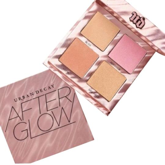 Preload https://img-static.tradesy.com/item/24136990/urban-decay-pink-shimmer-limited-edition-afterglow-highlighter-palette-0-5-540-540.jpg