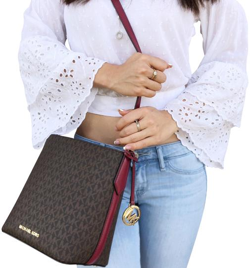 Preload https://img-static.tradesy.com/item/24137017/michael-kors-kimberly-bucket-mulberry-brown-leather-cross-body-bag-0-1-540-540.jpg