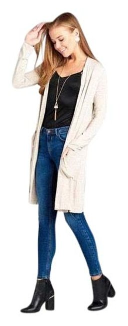 Preload https://img-static.tradesy.com/item/24137065/gray-long-sleeve-open-front-with-pockets-cardigan-size-14-l-0-1-650-650.jpg