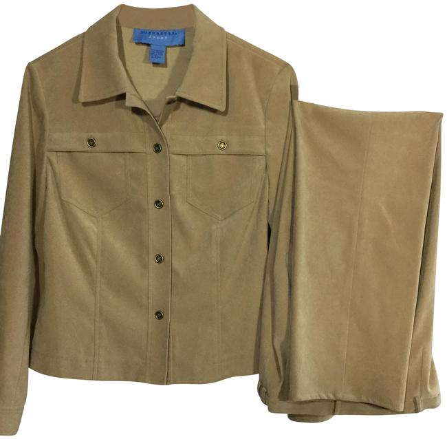 Preload https://img-static.tradesy.com/item/24137328/doncaster-brown-looks-new-pant-suit-size-petite-10-m-0-3-650-650.jpg