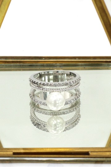 Ocean Fashion Fashion loop small crystal and peal silver ring Image 3