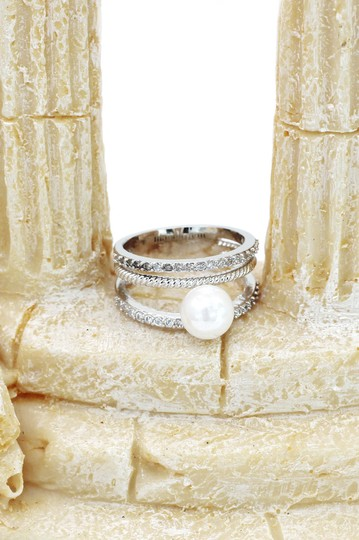 Ocean Fashion Fashion loop small crystal and peal silver ring Image 5