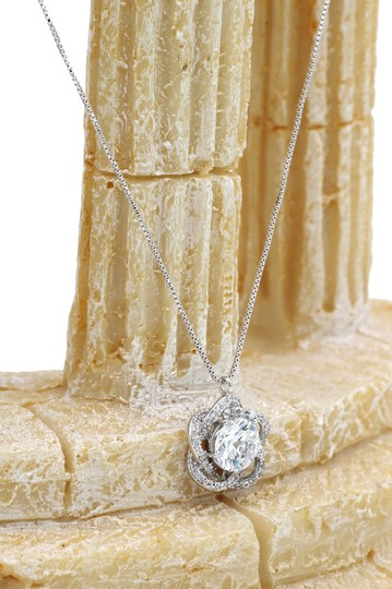 Ocean Fashion Sterling silver Lovely crystal flower necklace Image 3
