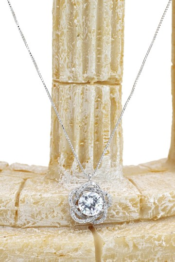 Ocean Fashion Sterling silver Lovely crystal flower necklace Image 4