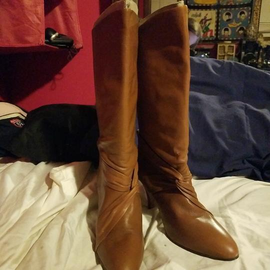 Preload https://img-static.tradesy.com/item/24137528/carriage-court-brown-leather-bootsbooties-size-us-75-regular-m-b-0-0-540-540.jpg