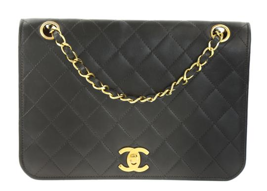 Preload https://img-static.tradesy.com/item/24138094/chanel-classic-flap-single-black-leather-shoulder-bag-0-1-540-540.jpg