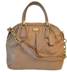 Coach Satchel in Taupe