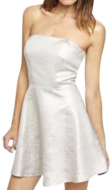Item - White/Silver New Casual Party Dress:size.10 Metallic Mid-length Night Out Dress Size 10 (M)