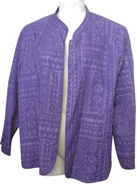 Preload https://img-static.tradesy.com/item/24138978/purple-embroidered-quilted-fly-open-lined-casual-style-20w-1x-jacket-size-20-plus-1x-0-1-650-650.jpg