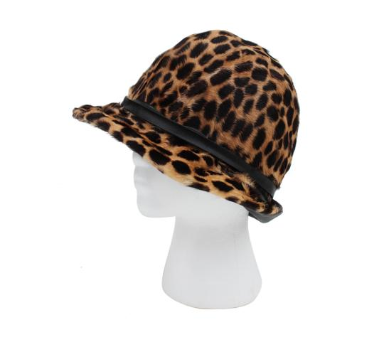 Preload https://img-static.tradesy.com/item/24139084/leopard-and-leather-hat-0-0-540-540.jpg