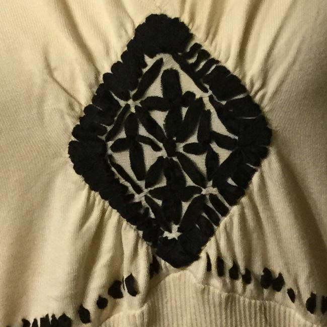 August Silk Top Cream and Black Image 3