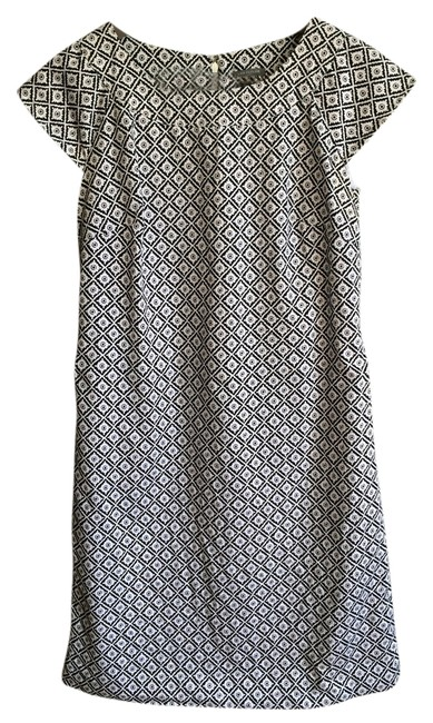 Preload https://img-static.tradesy.com/item/2413966/ann-taylor-black-and-white-sheath-above-knee-workoffice-dress-size-0-xs-0-0-650-650.jpg