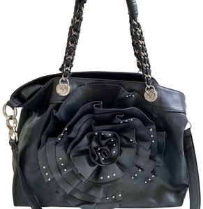4c6e25ff21 Black bebe Totes - Up to 70% off at Tradesy