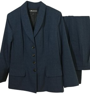 Sag Harbor Beautiful Work Suits