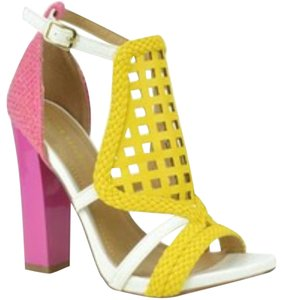 Shoe Republic LA Pink Pumps
