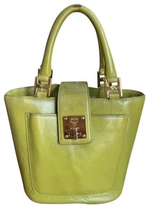 3d60e37f4d4 MCM Bucket Bags - Up to 70% off at Tradesy (Page 2)