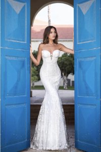 Galia Lahav White Embroidered Lace Guerlain From Le Secret Royale Collection By Formal Wedding Dress Size 8 (M)