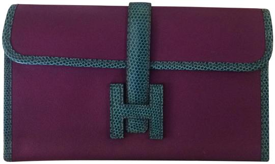 Preload https://img-static.tradesy.com/item/24142113/hermes-jige-duo-clutchwallet-purple-and-blue-leather-with-lizard-trim-cross-body-bag-0-1-540-540.jpg