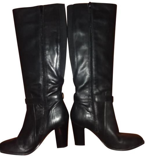 Preload https://img-static.tradesy.com/item/24142517/marc-fisher-black-leather-bootsbooties-size-us-75-regular-m-b-0-1-540-540.jpg
