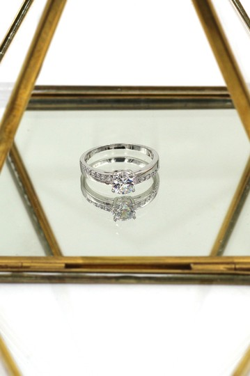 Ocean Fashion simple crystal silver ring Image 1