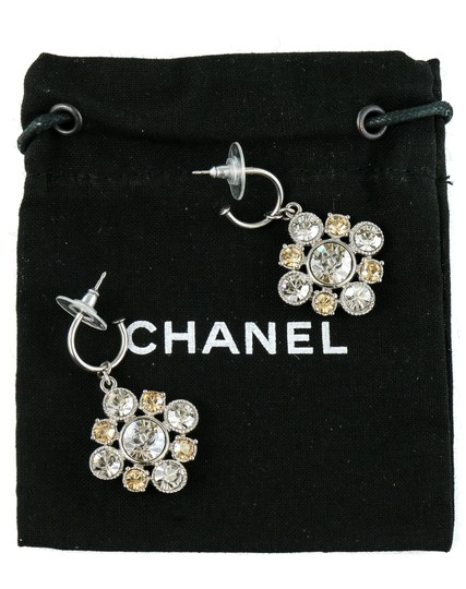 Chanel CC Logo Dangling Crystal Clusters Baroque Square Classic Earrings. Image 3