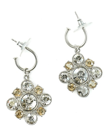 Chanel CC Logo Dangling Crystal Clusters Baroque Square Classic Earrings. Image 4