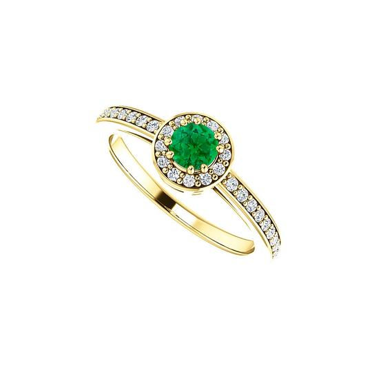Preload https://img-static.tradesy.com/item/24143434/green-round-cz-emerald-halo-in-18k-yellow-gold-vermeil-ring-0-0-540-540.jpg