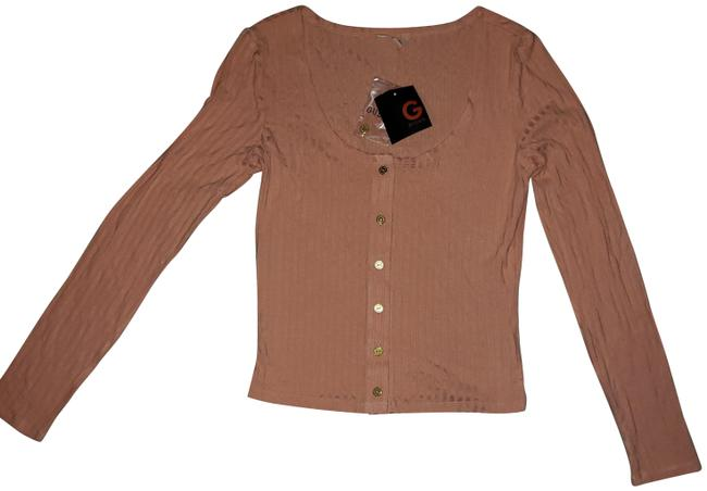 Preload https://img-static.tradesy.com/item/24145488/guess-peach-with-gold-buttons-tee-shirt-size-4-s-0-6-650-650.jpg