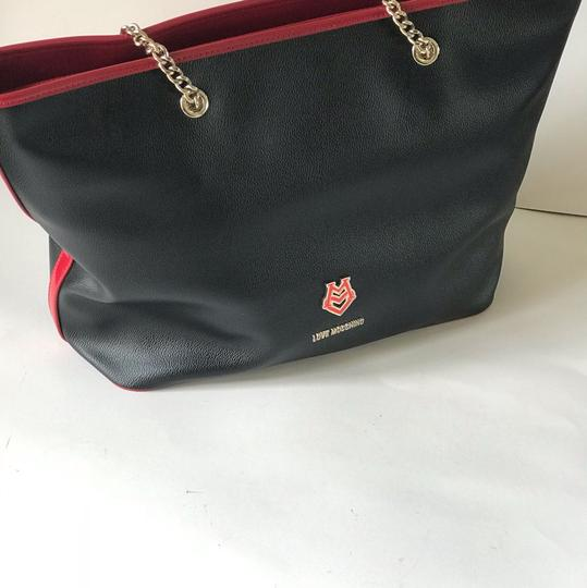 Love Moschino Tote in black/red Image 4