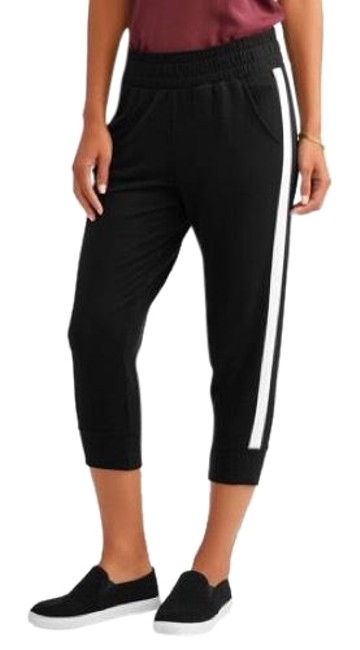 Preload https://img-static.tradesy.com/item/24146308/black-and-white-soft-stripe-joggers-pants-size-2-xs-26-0-1-650-650.jpg