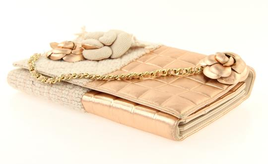 Chanel Pink Clutch Image 6