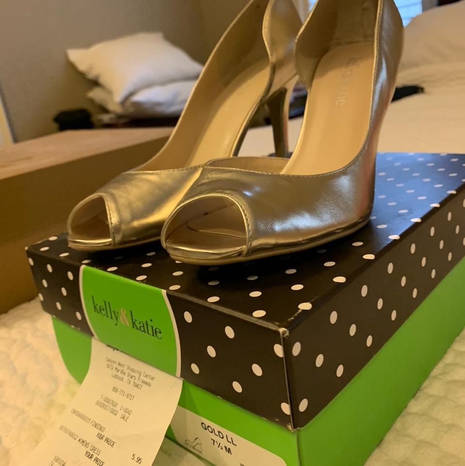 Gold Women\u2019s Dress Pumps