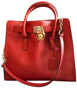 5eaec7bd78c0 Michael Kors Hamilton Large Tote - Up to 90% off at Tradesy