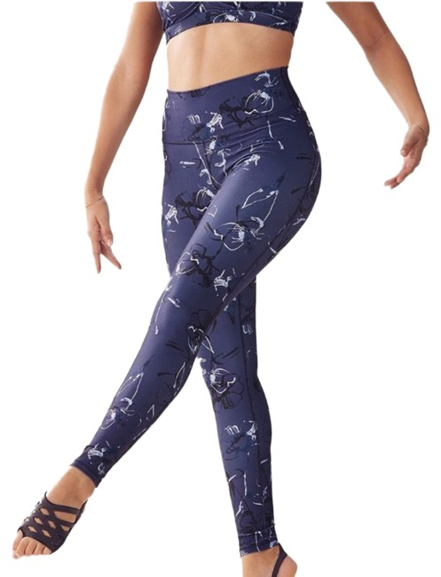 Preload https://img-static.tradesy.com/item/24147448/fabletics-blue-and-white-lisette-powerhold-activewear-bottoms-size-2-xs-0-1-650-650.jpg