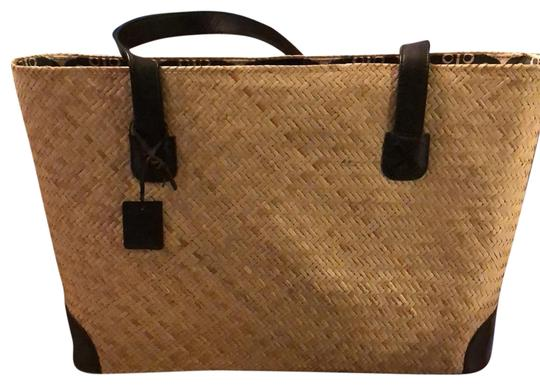 Preload https://img-static.tradesy.com/item/24147650/or-getaway-tan-with-black-and-cream-interior-woven-straw-beach-bag-0-1-540-540.jpg