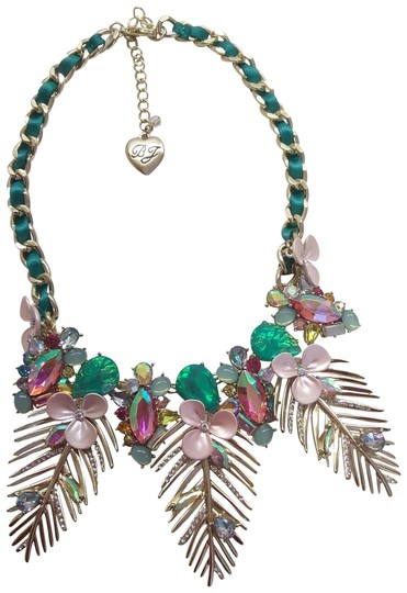 Preload https://img-static.tradesy.com/item/24147689/betsey-johnson-pink-new-gold-frond-necklace-0-1-540-540.jpg