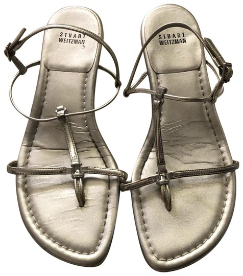 Preload https://img-static.tradesy.com/item/24147702/stuart-weitzman-silver-sandals-size-us-85-regular-m-b-0-1-540-540.jpg