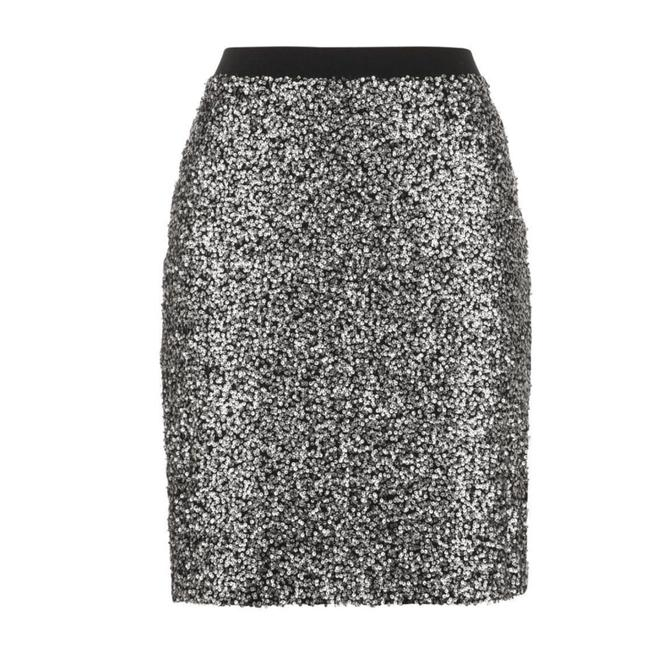 Preload https://img-static.tradesy.com/item/24147723/maurices-silver-black-sequin-pencil-skirt-size-4-s-27-0-0-650-650.jpg